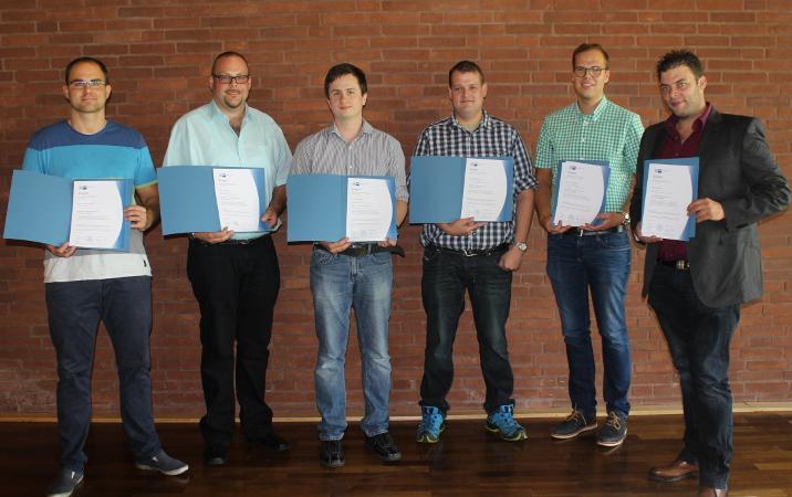 Erfolgreiche Absolventen des REFA Hessen-Wochenendlehrgangs Gepr. Industriemeister Metall